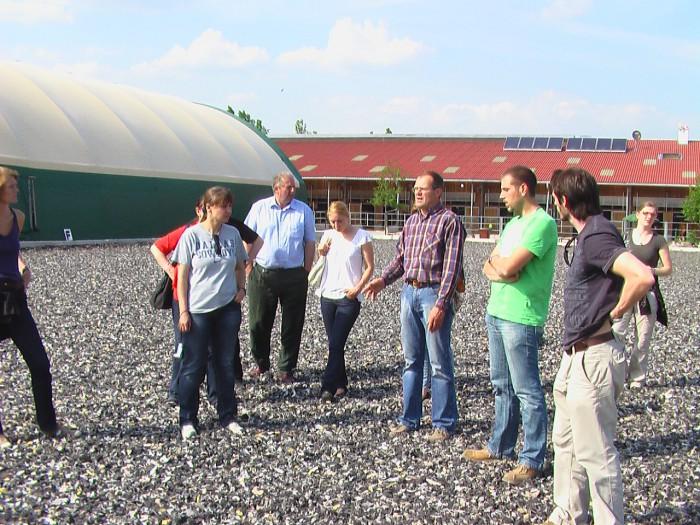 Erich stellt uns seinen landwirtschaftlichen Biobetrieb vor